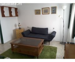 Venta casa de 2 dormitorios y patio en centro de Nerja